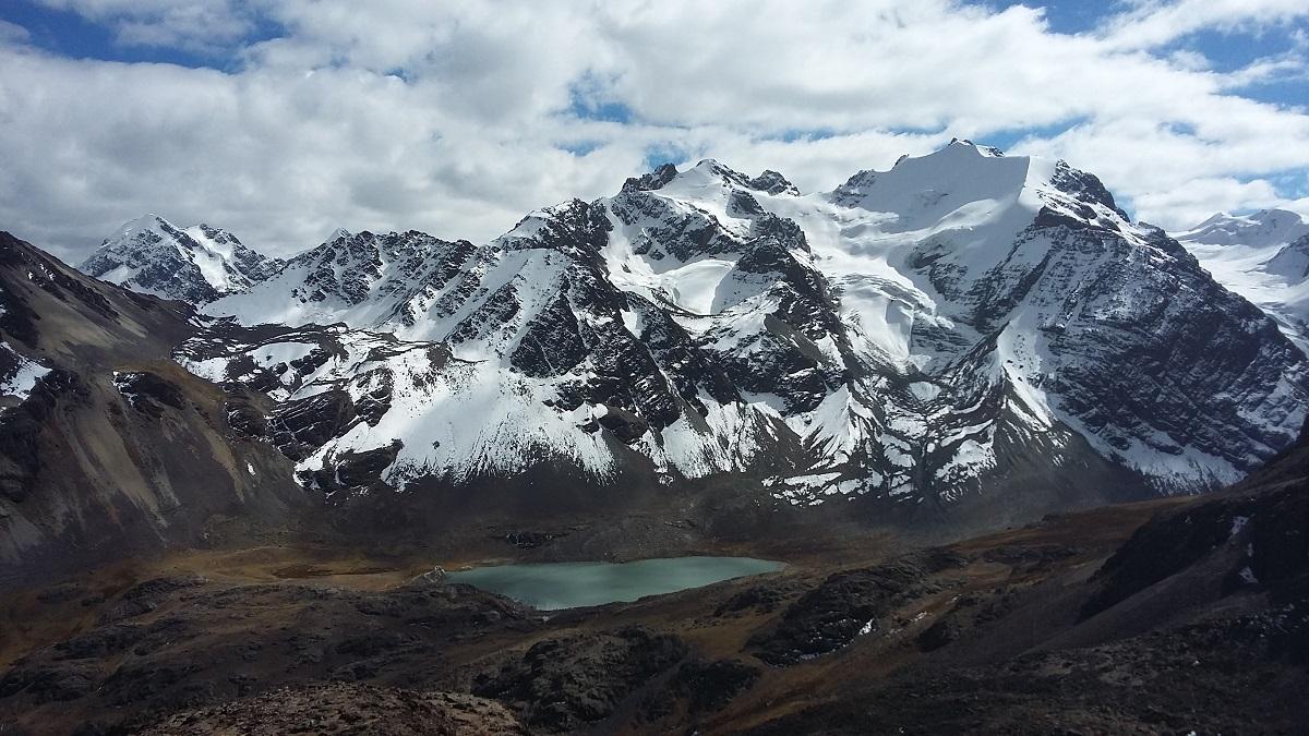 Interessante Bergregionen in der nördlichen Cordillera Real in Bolivien