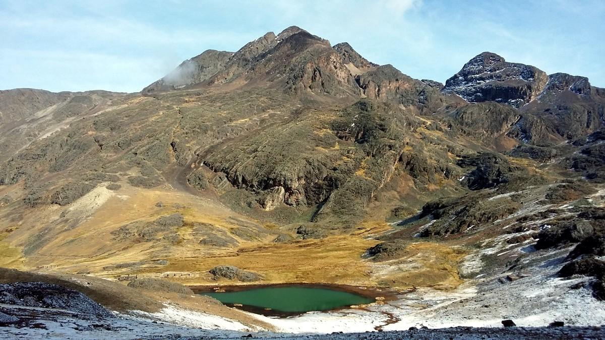 Bergbesteigungen über dem Salar de Coipasa